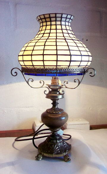 SGBALD100 Stained Glass Lamp